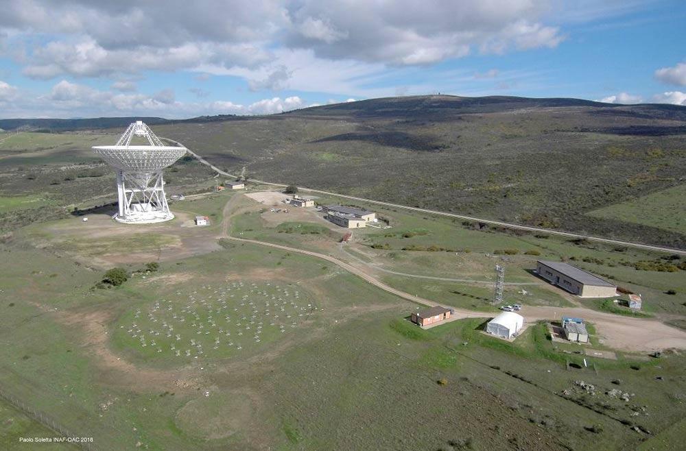 Veduta aerea del Sardinia Radio Telescope. Crediti: Paolo Soletta